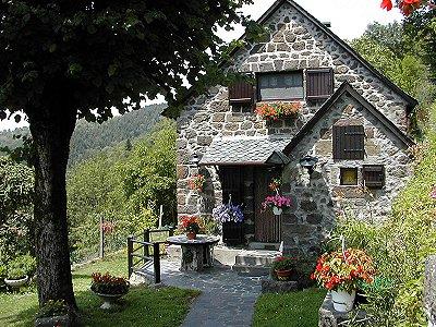 Villes et villages de charme du Cantal 184