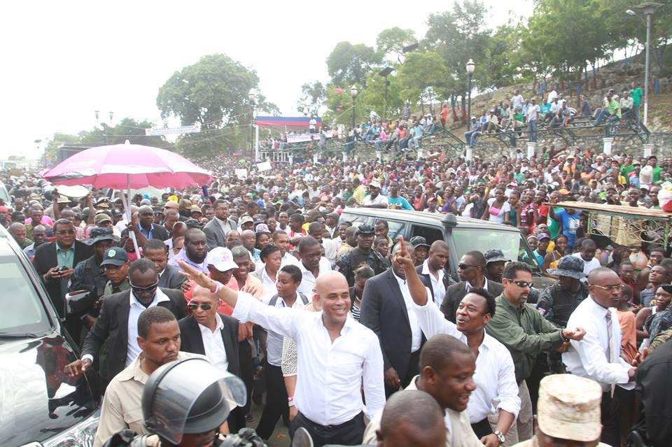 Aristide le grand leader national de la république  Manifestation-de-martelly-pour-martelly1