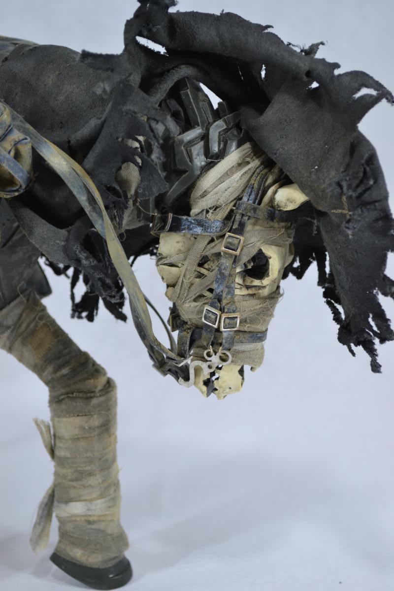 [Coleção] Rodolfo Canato - Novas Atualizações (página 7) - 18/06/2017! - Página 4 Dark_Cowboy_In_service_Of_him_Dead_Equine_3A_Toys_ToyReview.com-68