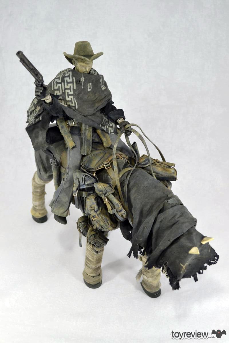 [Coleção] Rodolfo Canato - Novas Atualizações (página 7) - 18/06/2017! - Página 4 Dark_Cowboy_In_service_Of_him_Dead_Equine_3A_Toys_ToyReview.com-69