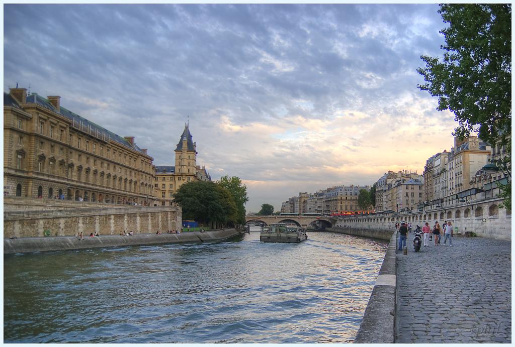 A Paris au mois d'août.  - Page 3 IMGP1370R%20PH