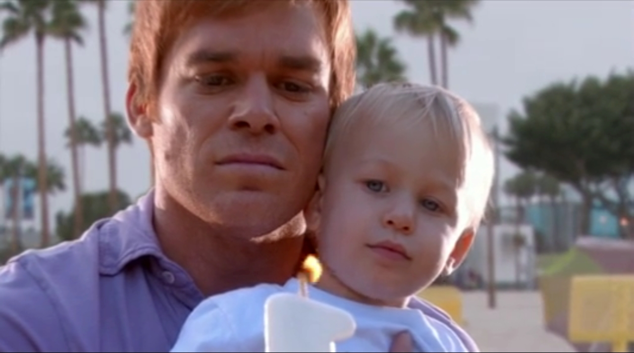el pequeño Harrison Morgan Dexter-and-harrison-season-5-dexter