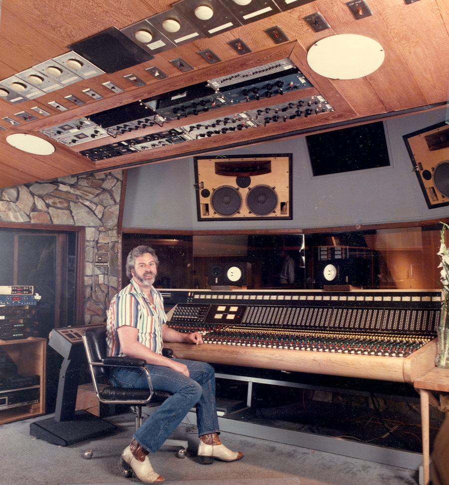 mono ou stereo ? The_Record_Plant_Studio_A_Trident_Console_-1985_resized.303175945