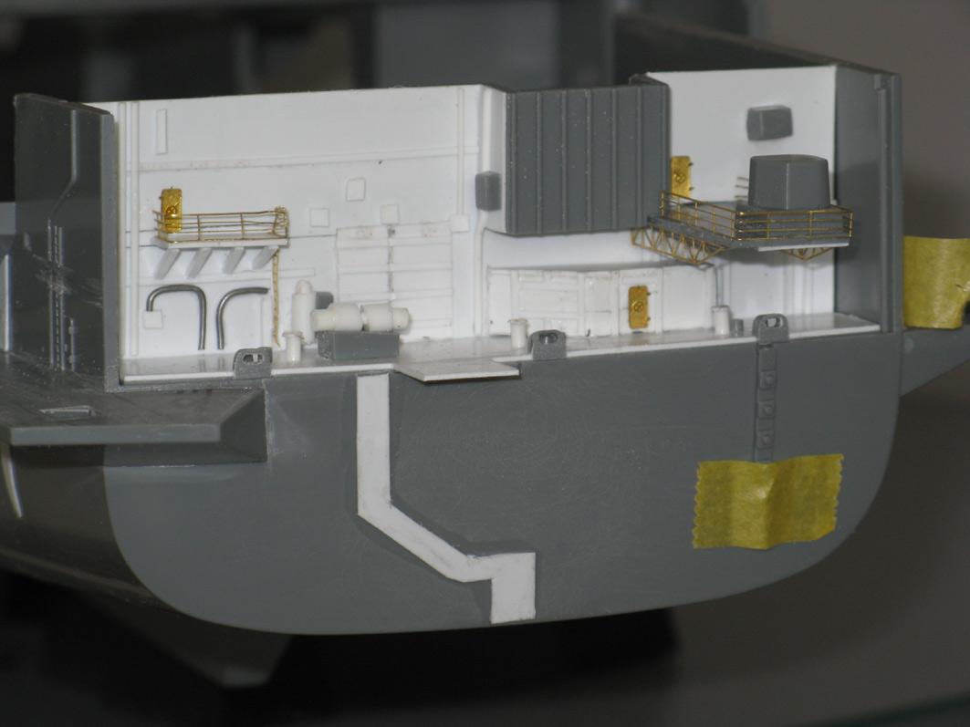Enterprise Tamiya 1/350  Poupe2