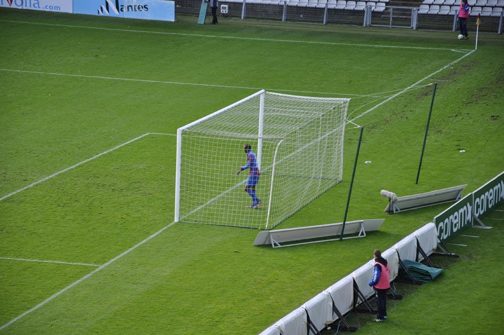 [18e journée de L2] FC Nantes 2 - 1 SM Caen - Page 3 2012-12-15-184