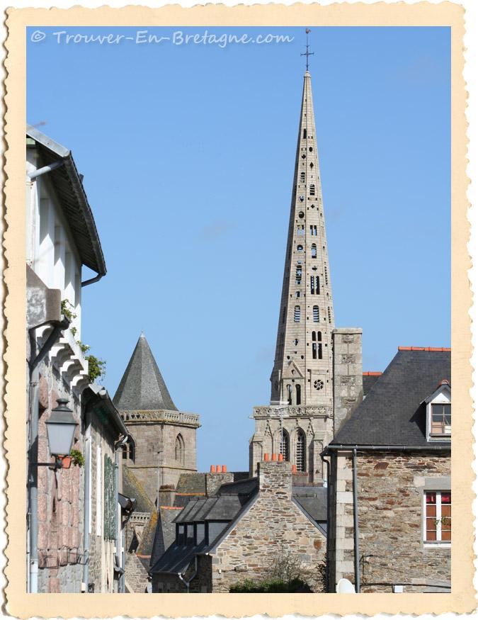 La flèche de la cathédrale de Tréguier         070309_001_treguier_cotes_armor