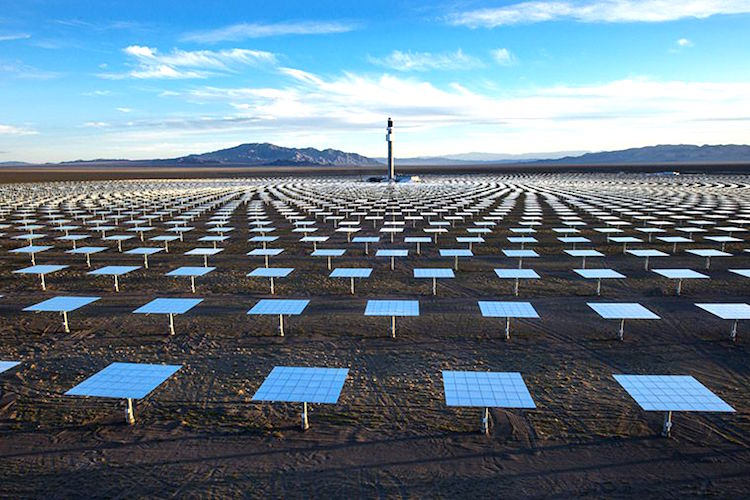 World's First 24/7 Solar Power Plant Powers 75,000 Homes Crescent_2