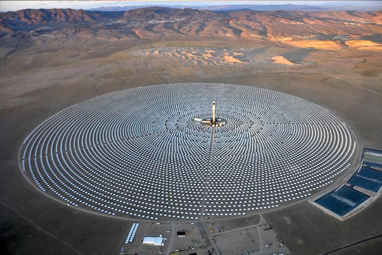 World's First 24/7 Solar Power Plant Powers 75,000 Homes Crescentdunes_750