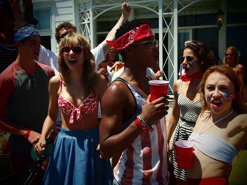 Taylor en las redes sociales (Facebook, Twitter, Instagram, Tumblr...) - Página 3 July42013-08