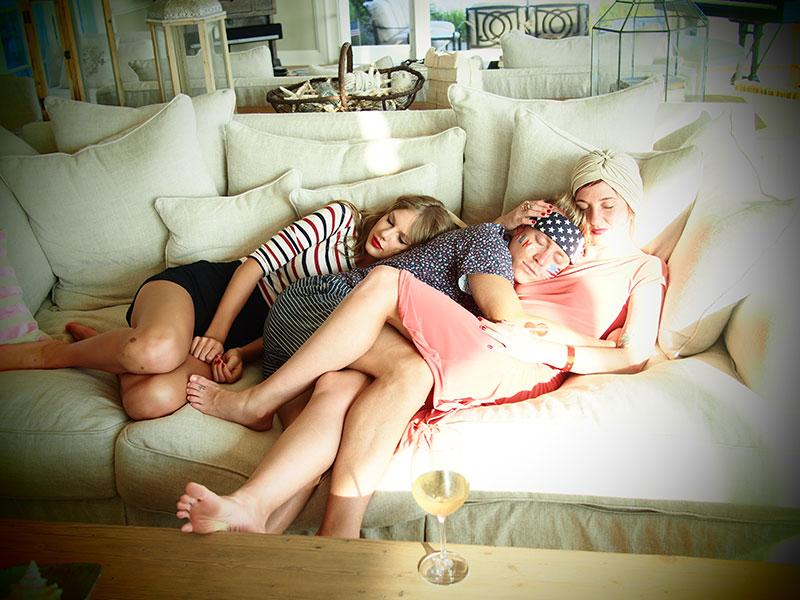 Taylor en las redes sociales (Facebook, Twitter, Instagram, Tumblr...) - Página 3 July42013-21