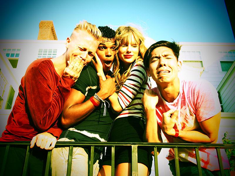 Taylor en las redes sociales (Facebook, Twitter, Instagram, Tumblr...) - Página 3 July42013-24
