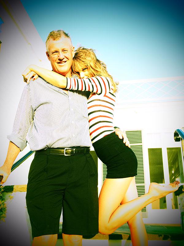 Taylor en las redes sociales (Facebook, Twitter, Instagram, Tumblr...) - Página 3 July42013-28