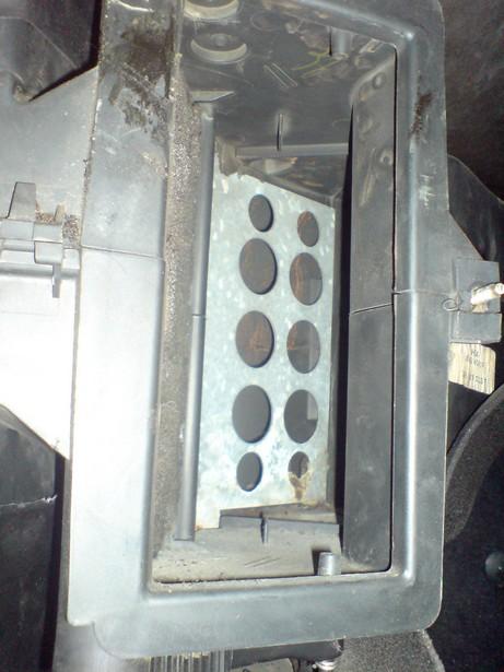 [Golf 2] Réparation Chauffage (air toujours tiede) DSC00392
