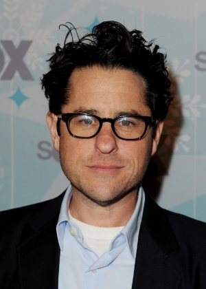 """J.J. Abrams vai dirigir """"Star Wars: Episódio 7"""" O-produtor-e-diretor-jjabrams-em-festa-do-canal-fox-em-pasadena-na-california-1112011-1297432266664_300x420"""