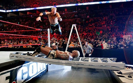 Concurs REW 3 Wwe-tables-ladders-and-chairs-recap-20091213110815979