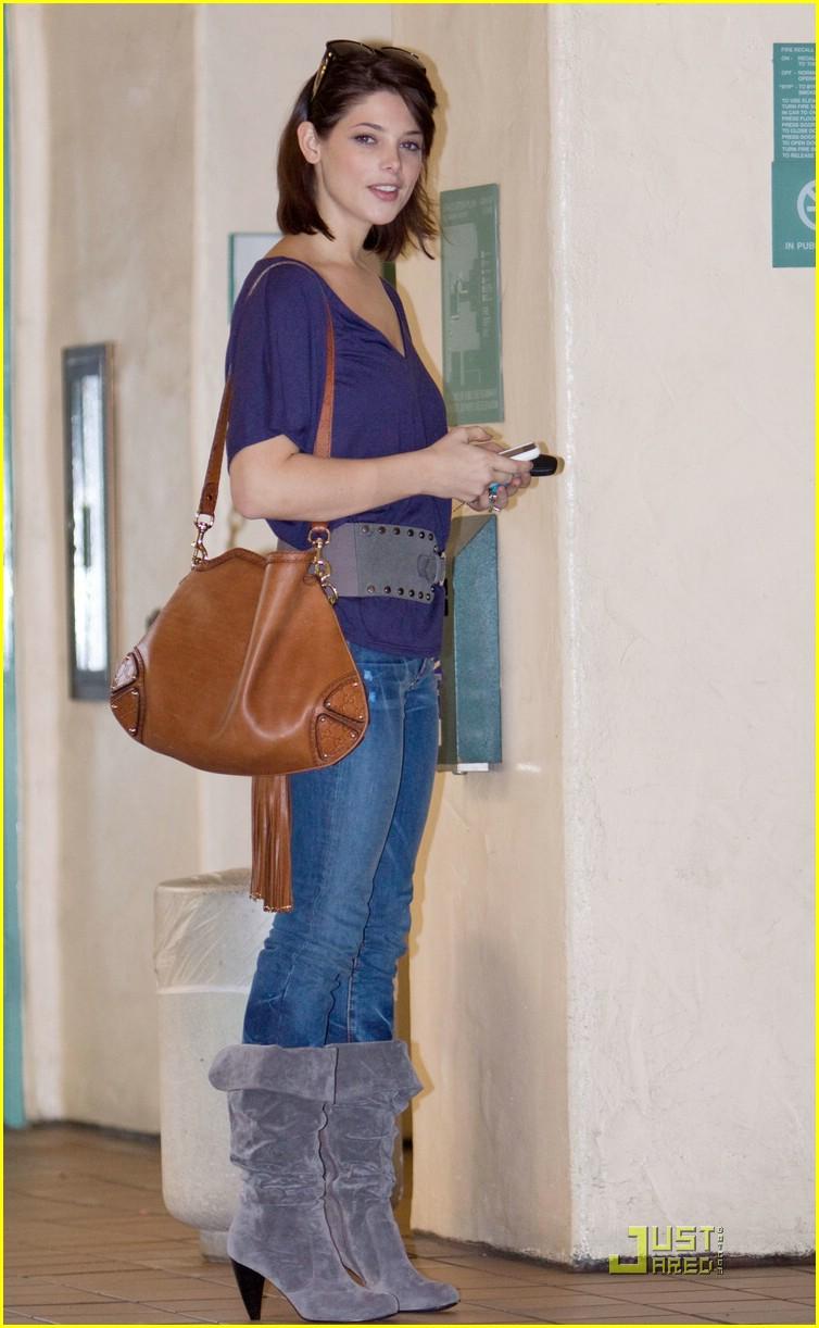 Ashley Greene Serbia - Portal Ashley-greene-at-casting-auditon2
