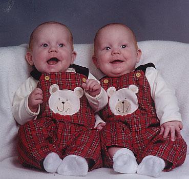 "مــجــمــوعة صــور لـتــوآئــم ""سُــبـح ــان اللـــه"" Harris_twins"