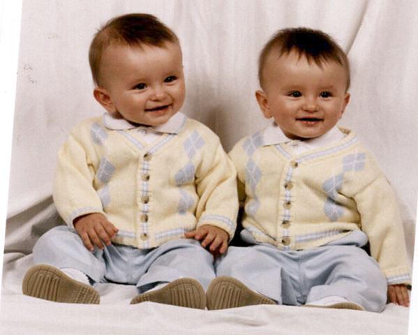 "مــجــمــوعة صــور لـتــوآئــم ""سُــبـح ــان اللـــه"" Noonan_twins"