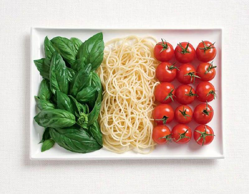 உணவு பொருட்களில் அழகிய பன்னாட்டு தேசிய கொடிகள்  Italy-flag-made-from-food