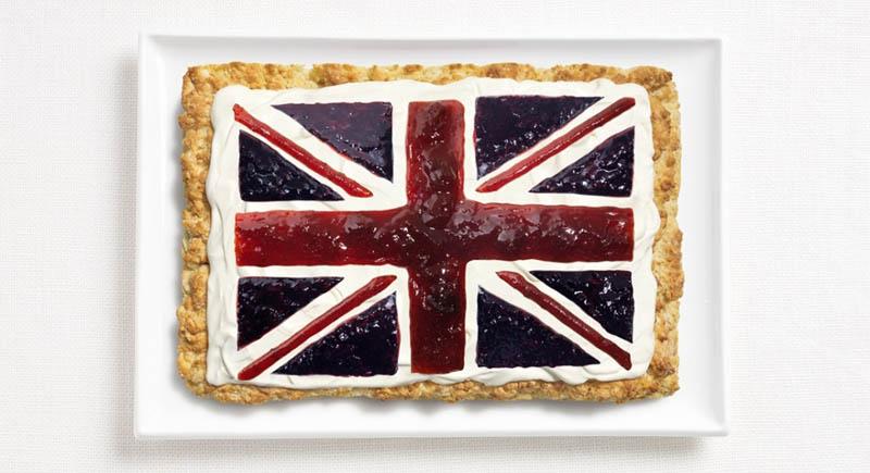உணவு பொருட்களில் அழகிய பன்னாட்டு தேசிய கொடிகள்  United-kingdom-flag-made-from-food