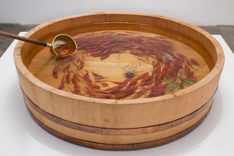 நம்பமுடியாத 3 டி ஓவியங்கள்  3d-fish-sculpture-paintings-layer-by-layer-riusuke-fukahori-5