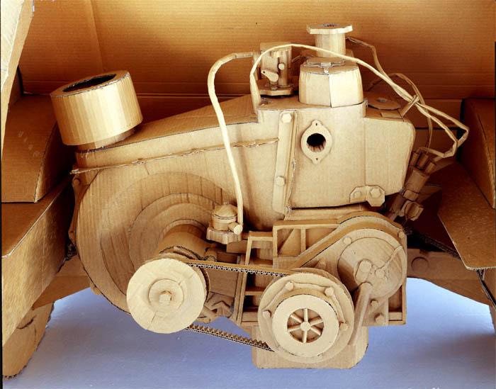 அட்டைதாளில் இப்படியும் செய்ய முடியுமா?? Cardboard-art-sculptures-chris-gilmour-4
