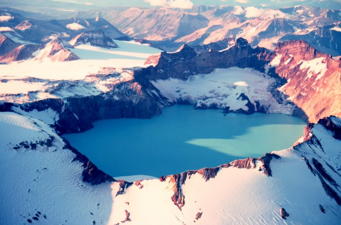 Jezera Katmai_crater_lake-alaska