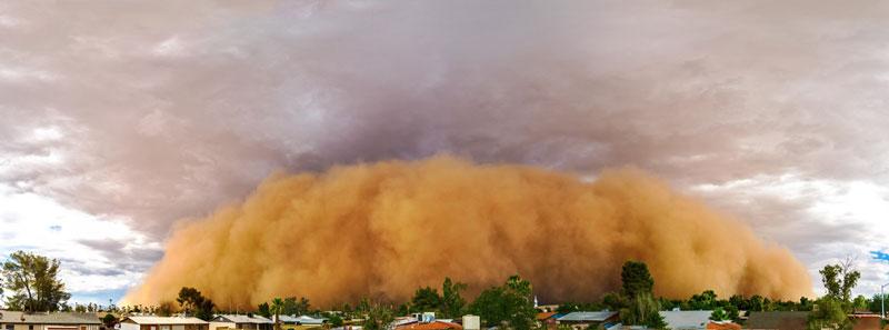 அச்சுறுத்துகிற புயல் மற்றும் சூறாவளிகள் Haboob-dust-storm-head-on-panoramic-view