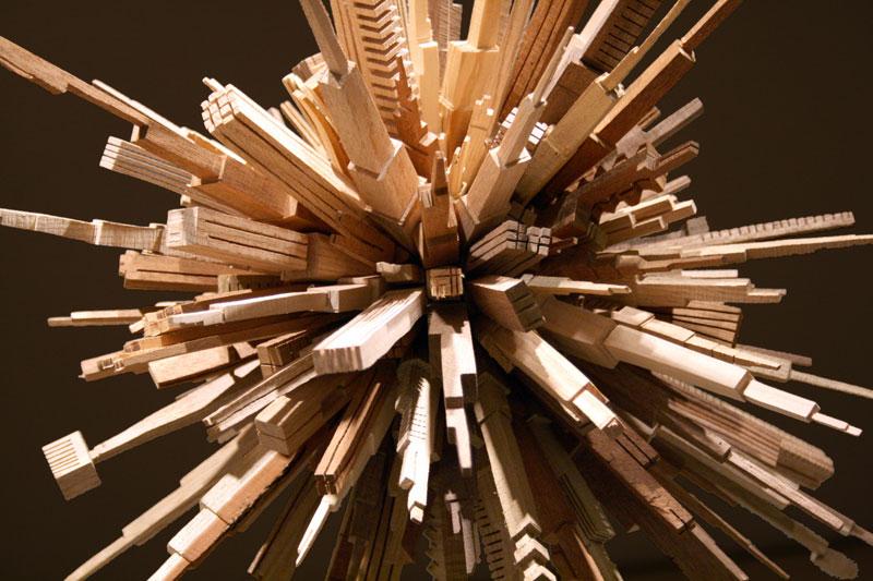 மரத்துகள்களில்+மரக்கட்டையில் அழகிய வேலைப்பாடு  James-mcnabb-city-sphere-scrap-wood-sculpture-1