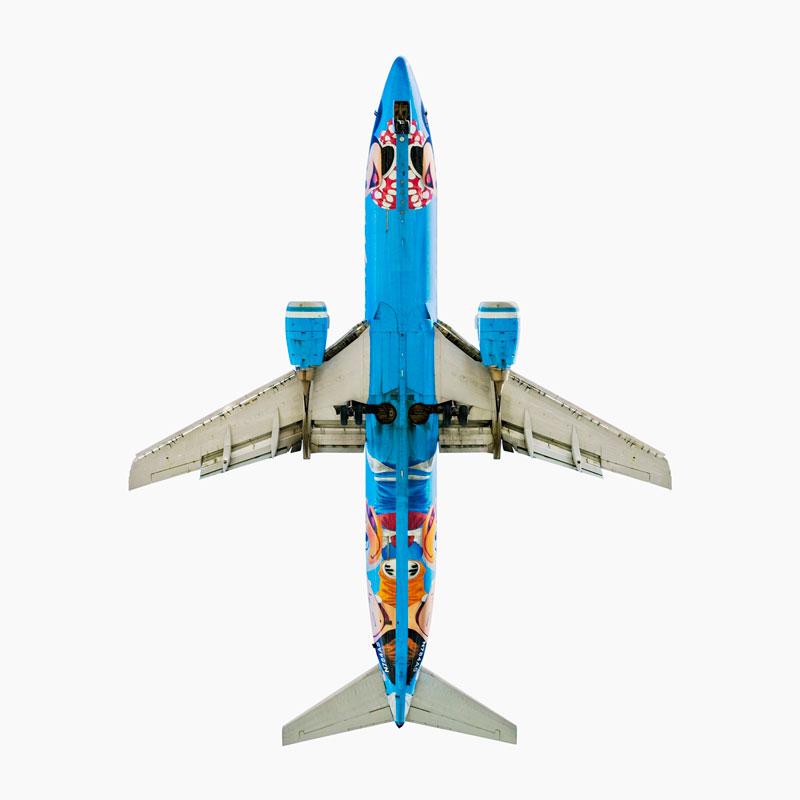 ஆகாய விமானங்கள் மேல் நோக்கி பறந்த நிலையில்  Alaska-airlines-boeing-737-400-d-jeffrey-milstein