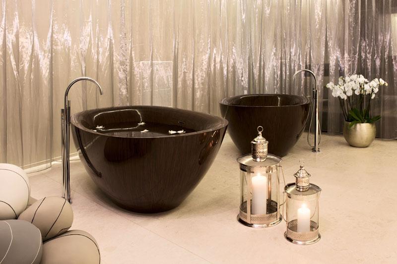 முற்றிலும் மரத்தால் செய்யப்பட்ட அழகிய குளியல் தொட்டிகள்  Wooden-bathtubs-all-wood-baths-by-alegna-3