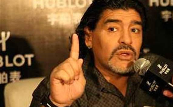 مارادونا يرشح جوارديولا لتدريب الأرجنتين 163077hp2