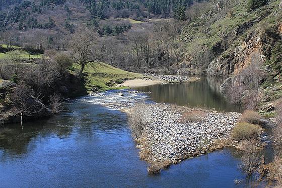les petits ruisseaux font les grandes rivières : la Loire et ses affluents  10258470.cfc4795c.560