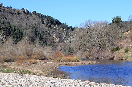 les petits ruisseaux font les grandes rivières : la Loire et ses affluents  10258516.f64ca1e2.560