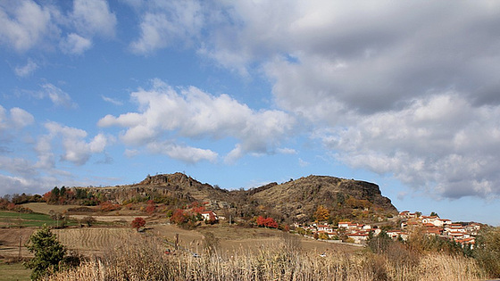 Cheyrac-43- paysage volcanique en automne
