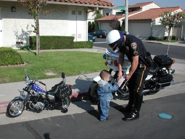 هههههههه شوف ماذا يحدث عندما تترك الأولاد عند أبيهم ...صور تقتل بالضحك 08122016282035