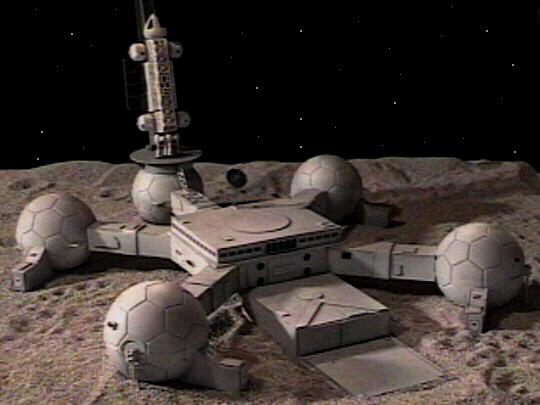 Exploração da Lua, por ora somente ficção Ufo1999f