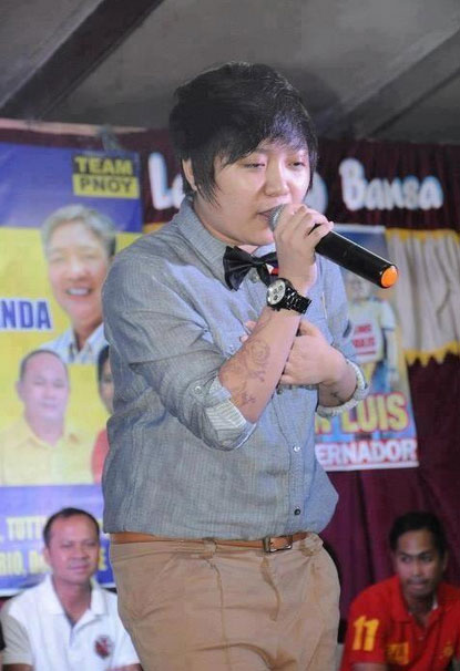 04/15/2013 - PEP.ph - Charice's fringe hairstyle gets mixed reactions Peparazzi_516ba53a30680