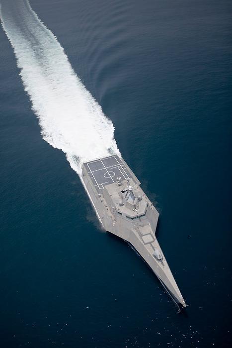 USS Independence (LCS-2)  1/700 Tumblr_kxgrnhdoek1qz7x0uo1_500