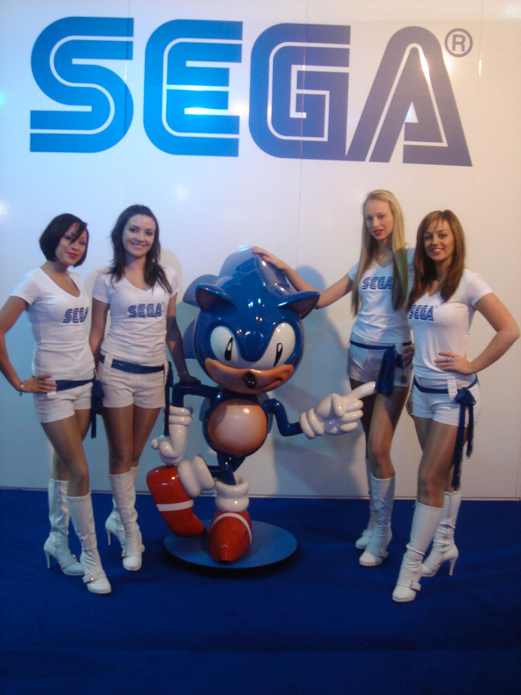 MEGADRIVE vs SUPER NINTENDO : Fight ! - Page 4 Sega-girls-atei-1