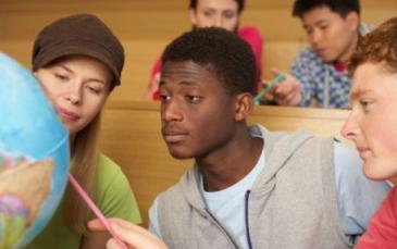الطلاب الأجانب في أوكرانيا.. بين حلاوة الوعود ومرارة المشاكل Lnu-student