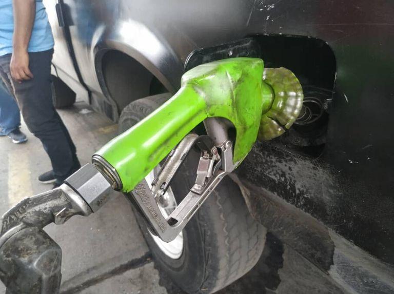 Como lo prometió Maduro: Comenzó despacho de gasolina en todo el país con el nuevo esquema Gasolina-Bomba-2