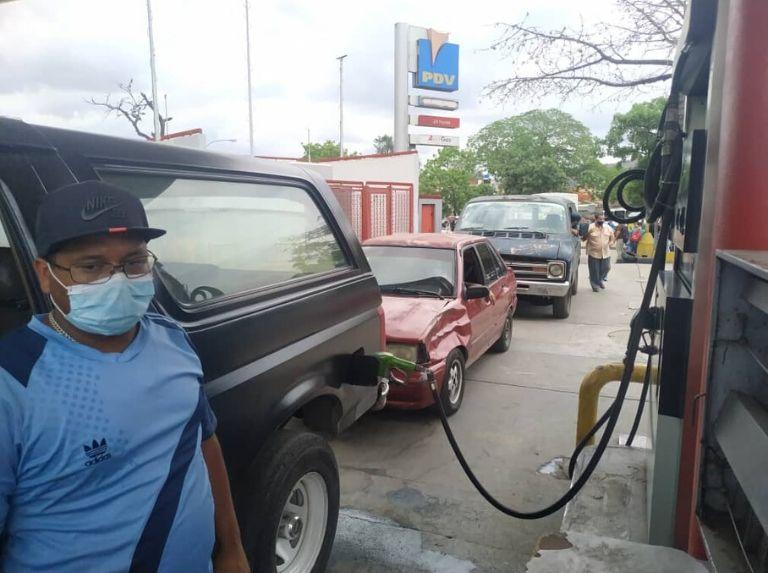 Como lo prometió Maduro: Comenzó despacho de gasolina en todo el país con el nuevo esquema Gasolina-Bomba-4