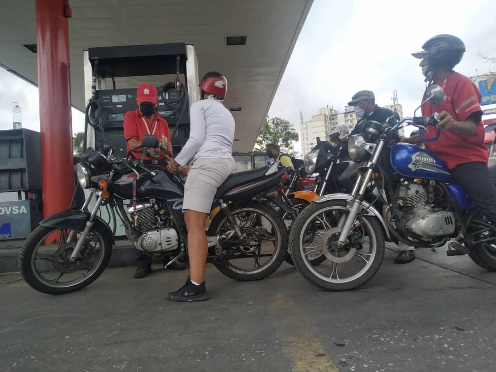 Como lo prometió Maduro: Comenzó despacho de gasolina en todo el país con el nuevo esquema WhatsApp-Image-2020-06-01-at-2.01.05-PM