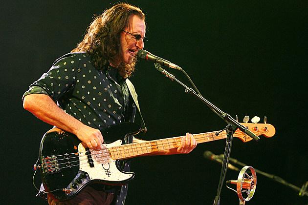 É legal ter um Jazz Bass? Rush-Geddy-Lee