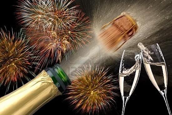 Que paseis una noche estupenda Celebra-grande-el-ano-nuevo-i01530002535873100000000