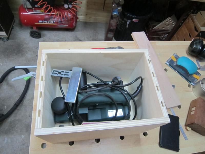 [Terminé] Une boite exercice pour  ranger mon rabot électrique. Boite_rabot-022