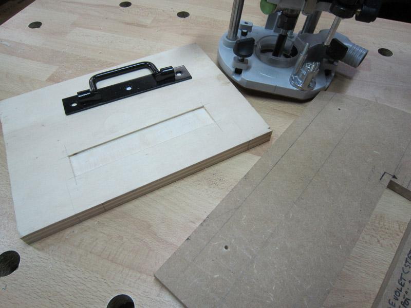 [Terminé] Une boite exercice pour  ranger mon rabot électrique. Boite_rabot-032