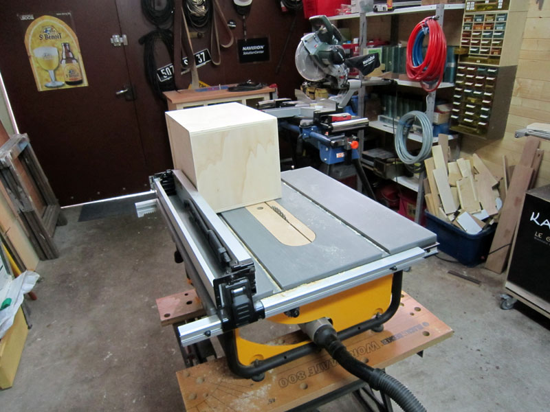 [Terminé] Une boite exercice pour  ranger mon rabot électrique. Boite_rabot-044