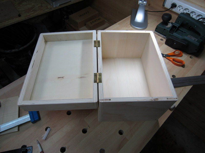 [Terminé] Une boite exercice pour  ranger mon rabot électrique. Boite_rabot-047